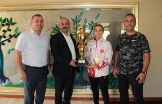 Başkan Büyükgöz Avrupa Şampiyonunu ağırladı