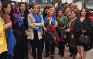 İYİ Parti, Kadınları Anıtkabir'e götürecek