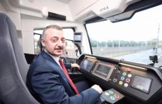 Yeni tramvay hattının deneme sürüşünü Başkan...
