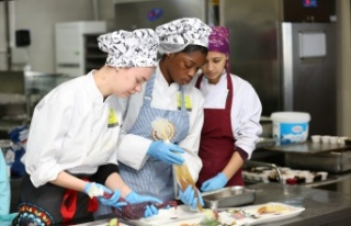 Hollandalı öğrenciler Türk mutfağını Kocaeli'de...