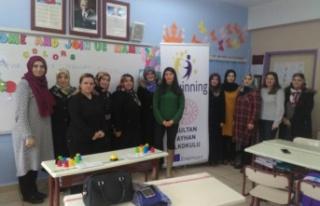 Sultan Ayhan'da Anneler de İngilizce öğreniyor!