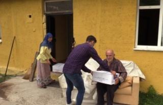 """Yaşlı çiftin ihtiyaçlarını Büyükşehirli """"Evlatları""""..."""
