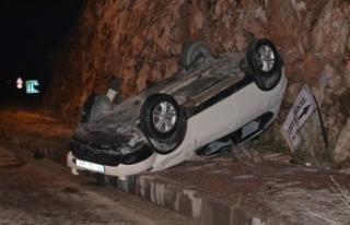 Bilecik'te takla atan otomobilin sürücüsü yaralandı