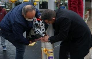 Edremit'te sokak hayvanları için mama noktaları...