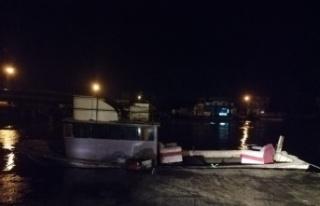 Halatı kopan tekne bekçilerin dikkati sayesinde...