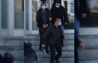 İzmir'de kırmızı ışıkta bekleyen kişiyi öldürdüğü...