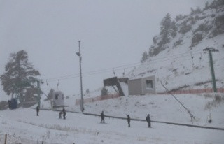 Kartalkaya ve Kartepe'de kar yağışı sevinçle...