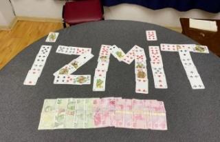 Kocaeli'de iş yerinde kumar oynayan 4 kişiye para...