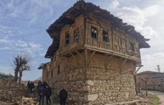 Osmaneli'nin Günüören köyünde ipek böcekçiliği...