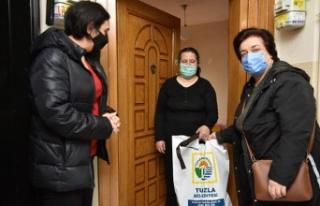 Tuzla'da, görme engelli vatandaşlara beyaz baston...