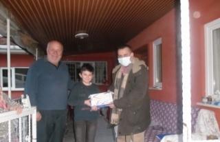 Yenipazar'da öğrencilere tablet bilgisayar desteği