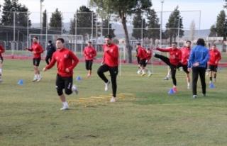 Balıkesirspor, yeni teknik direktör Yusuf Şimşek...