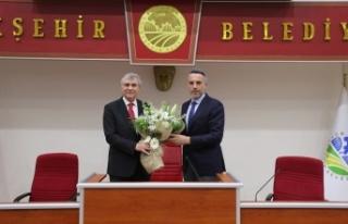Başkan Yüce, AK Parti İl Başkanı Tever ve yönetimiyle...