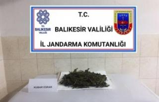 Burhaniye'de jandarma ekiplerince 1 kilo 275 gram...