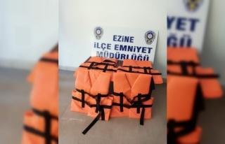 Durdurulan minibüste 17 sığınmacı tespit edildi