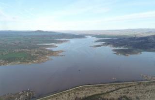 Kırklareli'nde kuruma noktasına gelen barajlar son...