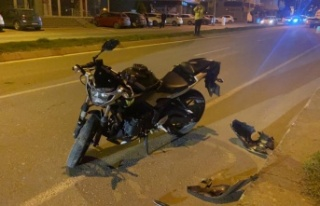 Edirne'de otomobille çarpışan motosiklet sürücüsü...