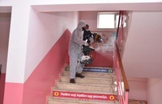 Hayrabolu'da okullar dezenfekte edildi