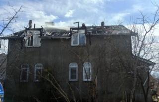 Kocaeli'de bir evin çatısında çıkan yangın söndürüldü