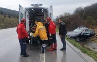 Susurluk'ta iki otomobil çarpıştı: 2 yaralı