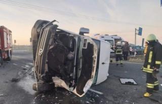 Tekirdağ'da minibüsle hafriyat kamyonu çarpıştı:...