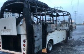 Tekirdağ'da seyir halindeyken yanan servis minibüsü...