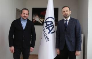 AK Parti Bursa Milletvekili Refik Özen, Anadolu Ajansını...