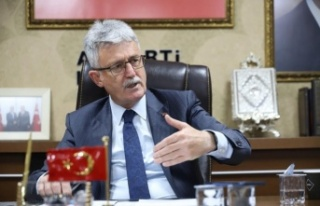 AK Parti Kocaeli İl Başkanı Ellibeş'ten 103 emekli...