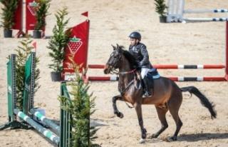 Eyüp Sabri Tuncer 2021 Pony Ligi Yarışmaları'nın...