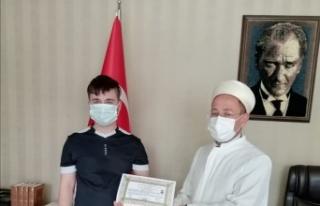 Hollandalı genç İslamiyet'i seçti