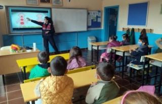Pamukova'da jandarmadan çocuklara mahremiyet eğitimi