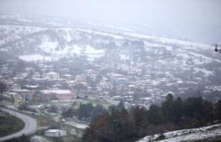 Nisanda kar yağdı
