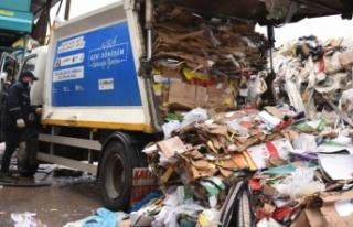 Tuzla'da, her gün yaklaşık 40 ton atık geri dönüşüme...