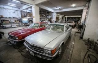 Klasik otomobilleri 3 kuşaktır hurdadan sanat eserine...