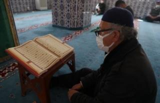 Tekirdağ'daki camilerde mukabele geleneği devam...