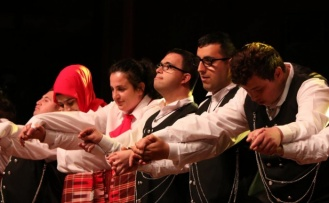 Özel öğrencilerin dansları büyüledi