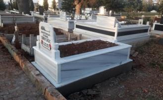 Şekerpınar mezarlığında sular akmadı, Vatandaş ÇAYIROVA Belediyesine  isyan etti