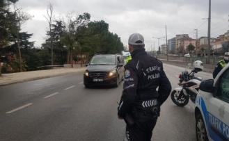 Kocaeli'de dün sokağa çıkma kısıtlamasını ihlal eden 413 kişiye idari işlem uygulandı