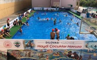 Çocukların Havuz Keyfi