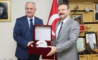 Vali Aksoy'dan, Aygün'e Ziyaret