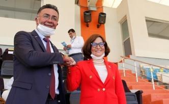 İYİ Parti'de Oy kullanma işlemi başladı