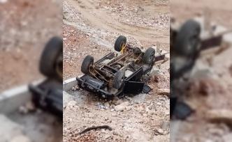 Şarampole devrilen arazi aracındaki 3 kişi yaralandı
