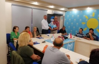 CHP'den, İYİ Partiye hayırlı olsun ziyareti