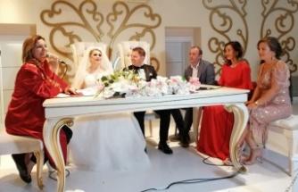 Başkan Hürriyet, Çiftlerin mutluluğuna ortak oldu