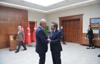 Eski dostlar Diyarbakır'da buluştu