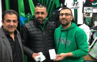 İzmit Belediyesinden Kocaelispor taraftarları derneğine bilet desteği