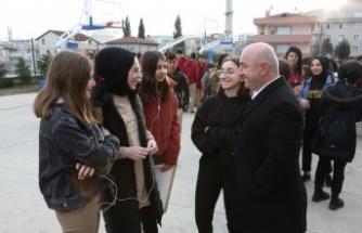 Başkan Bıyık, öğrencilere iyi dersler diledi