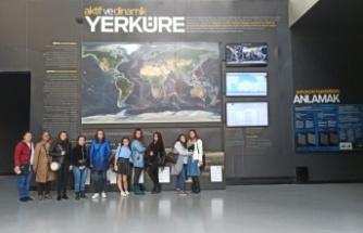 Deprem müzesi öğrencileri ağırlamaya devam ediyor
