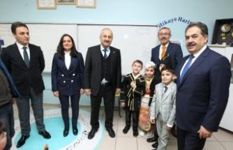 Mustafa Güler, Zinnur Büyükgöz ve Şener Doğan M. Alp Tiryakioğlu İlkokulu'nda