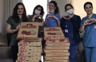 İYİ Partili Kaan Dilmen'den, sağlıkçılara jest